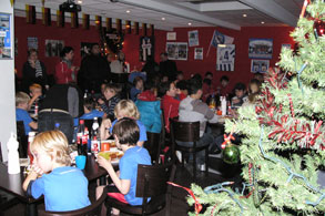 Kinderweihnacht bei fans@hertha e.V. in der Soccerworld