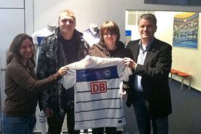 Luca bekommt das große DFB-Pokal Fanpaket von Hertha